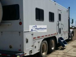 For Sale: 2007 Kenworth T800 Frac Data Van Wired for a mobile office with 2 Air Conditioners